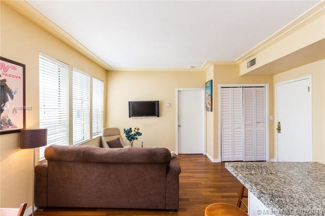 2 Bedrooms, Flamingo - Lummus Rental in Miami, FL for $1,975 - Photo 2