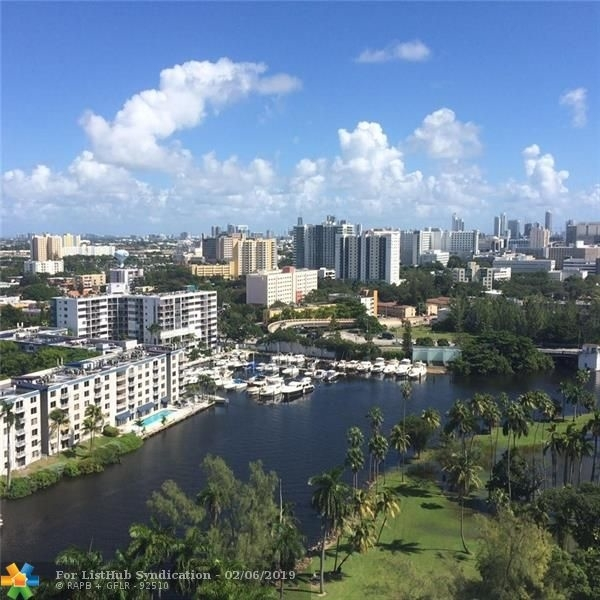 2 Bedrooms, Edenholme Gardens Rental in Miami, FL for $2,100 - Photo 1
