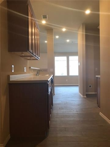 3 Bedrooms, President's Point Rental in Dallas for $1,695 - Photo 2