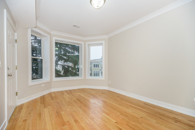 2 Bedrooms, North Center Rental in Chicago, IL for $2,500 - Photo 2