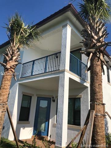 3 Bedrooms, Rexmere Village Rental in Miami, FL for $2,900 - Photo 2