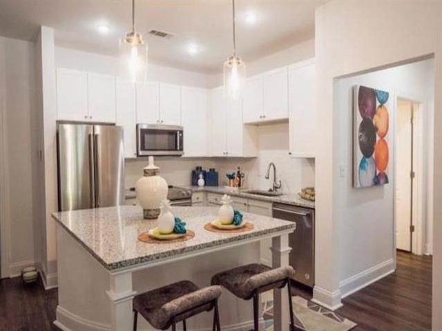 2 Bedrooms, Grant Park Rental in Atlanta, GA for $2,000 - Photo 2
