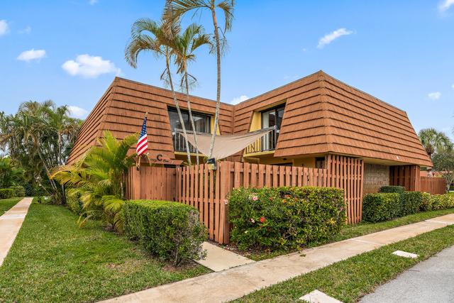 2 Bedrooms, Jupiter Plantation Rental in Miami, FL for $2,850 - Photo 2