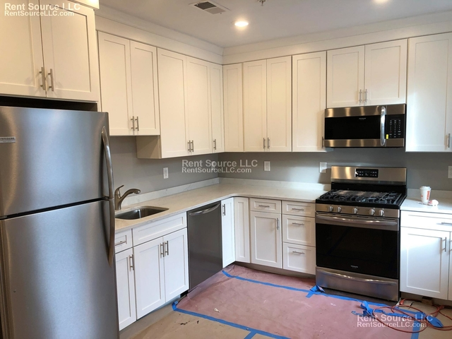 3 Bedrooms, East Cambridge Rental in Boston, MA for $3,600 - Photo 2