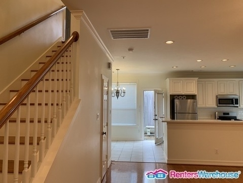 3 Bedrooms, Fourth Ward Rental in Houston for $2,100 - Photo 2