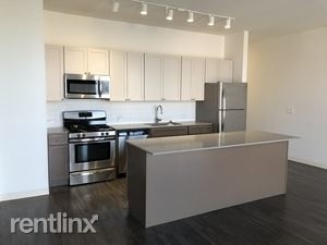 1 Bedroom, Goose Island Rental in Chicago, IL for $1,830 - Photo 2