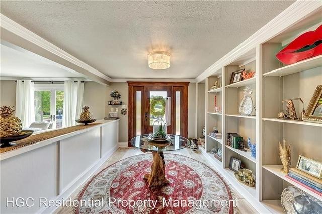 2 Bedrooms, North Hi Mount Rental in Dallas for $2,750 - Photo 2