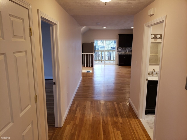 4 Bedrooms, Maplewood Highlands Rental in Boston, MA for $3,500 - Photo 2