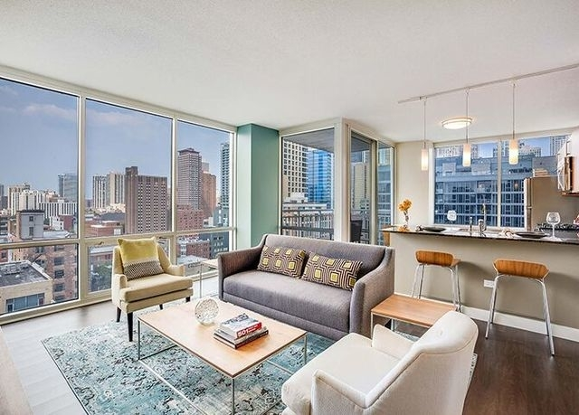 2 Bedrooms, River North Rental in Chicago, IL for $3,535 - Photo 2