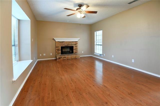 2 Bedrooms, Preston Manor Rental in Dallas for $1,450 - Photo 2