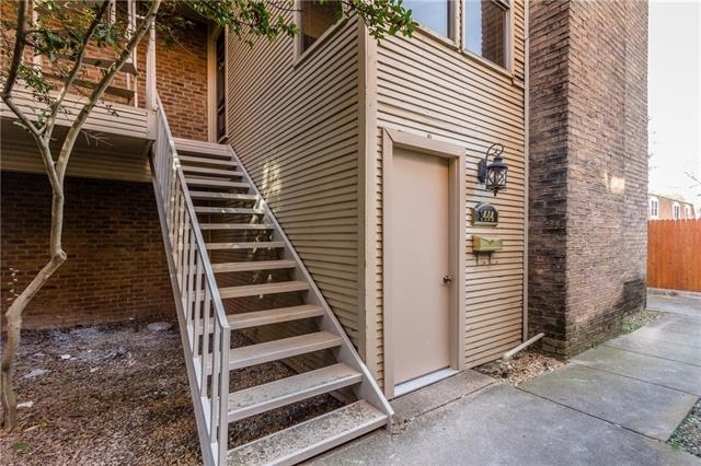 2 Bedrooms, Campus Heights Rental in Dallas for $2,450 - Photo 2