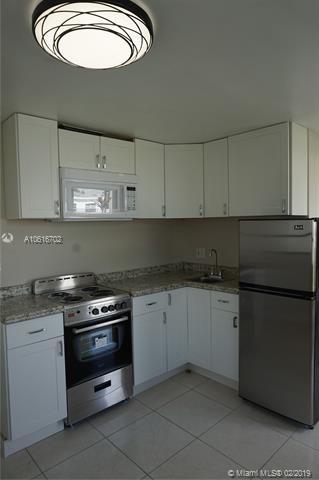 1 Bedroom, Silver Bluff Gardens Rental in Miami, FL for $1,250 - Photo 2