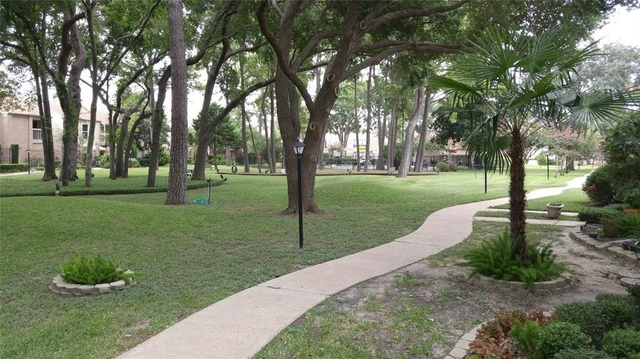 2 Bedrooms, Memorial Place Townhome Rental in Houston for $1,400 - Photo 2