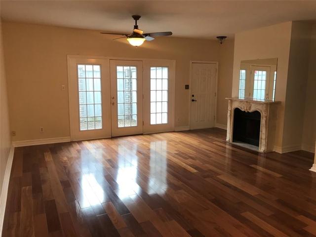 2 Bedrooms, Marlborough Square Condominiums Rental in Houston for $1,450 - Photo 1