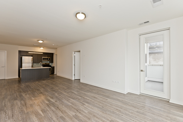 2 Bedrooms, Old Town Rental in Chicago, IL for $3,695 - Photo 2