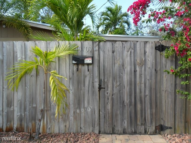 2 Bedrooms, Lauderdale Manors Rental in Miami, FL for $1,995 - Photo 2