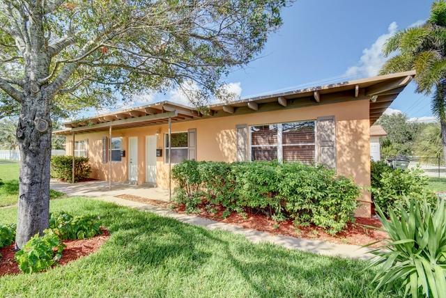 2 Bedrooms, Osceola Park Rental in Miami, FL for $1,300 - Photo 2