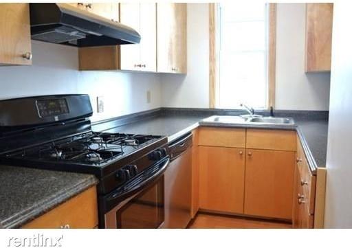 3 Bedrooms, Porter Square Rental in Boston, MA for $3,400 - Photo 2