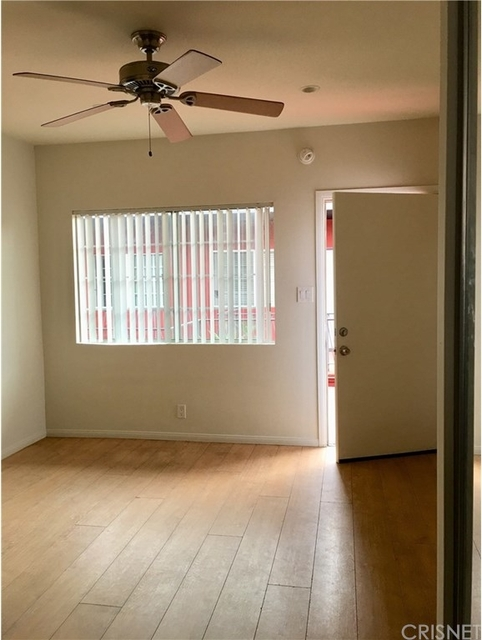 Studio, Hollywood United Rental in Los Angeles, CA for $1,300 - Photo 2