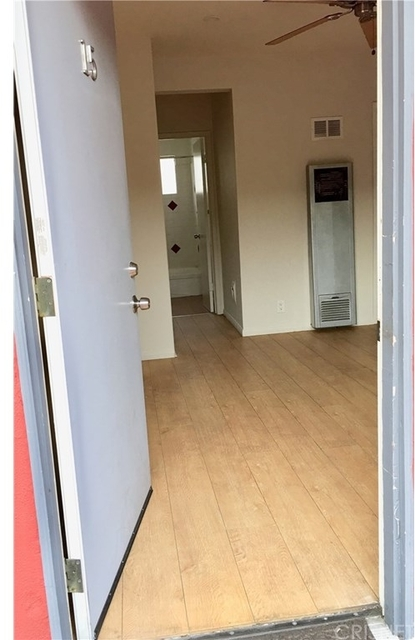 Studio, Hollywood United Rental in Los Angeles, CA for $1,300 - Photo 1