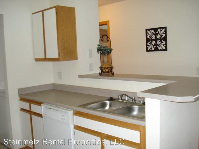 3 Bedrooms, Rogers Park Rental in Fort Collins, CO for $1,695 - Photo 2