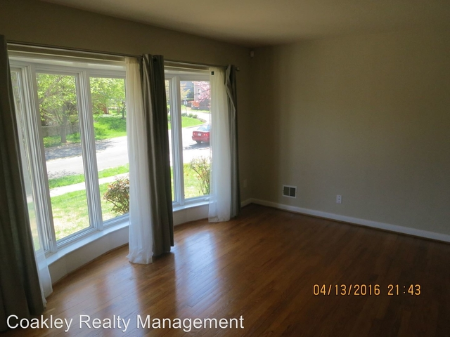 4 Bedrooms, Bethesda Rental in Washington, DC for $3,500 - Photo 2