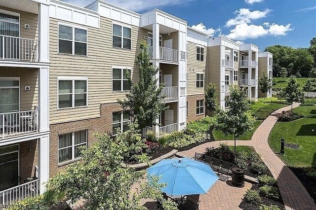 2 Bedrooms, Bridgewater Rental in  for $2,000 - Photo 1