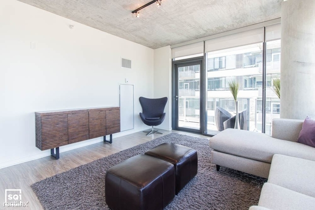 3 Bedrooms, South Loop Rental in Chicago, IL for $3,600 - Photo 2