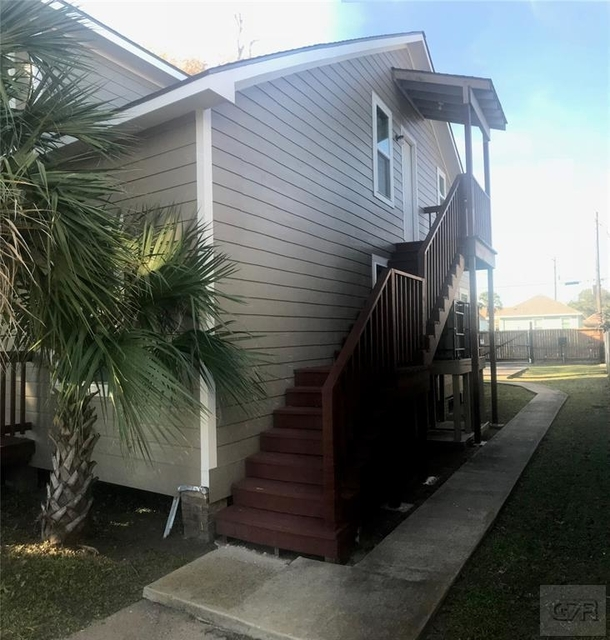 2 Bedrooms, Downtown Galveston Rental in Houston for $1,000 - Photo 1