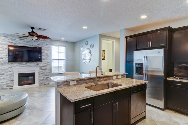 3 Bedrooms, Davie Rental in Miami, FL for $2,600 - Photo 2