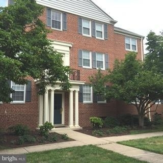 2 Bedrooms, Belle Haven Rental in Washington, DC for $1,480 - Photo 2