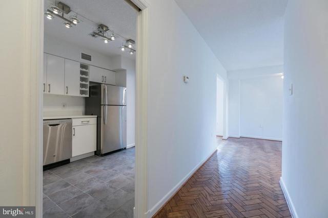 1 Bedroom, East Village Rental in Washington, DC for $2,900 - Photo 2