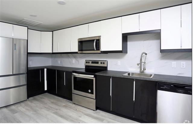 1 Bedroom, Central Dallas Rental in Dallas for $1,359 - Photo 2