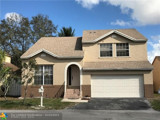 4 Bedrooms, Scarborough Rental in Miami, FL for $2,950 - Photo 1