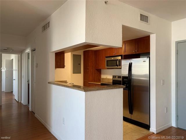 2 Bedrooms, East Little Havana Rental in Miami, FL for $1,825 - Photo 2