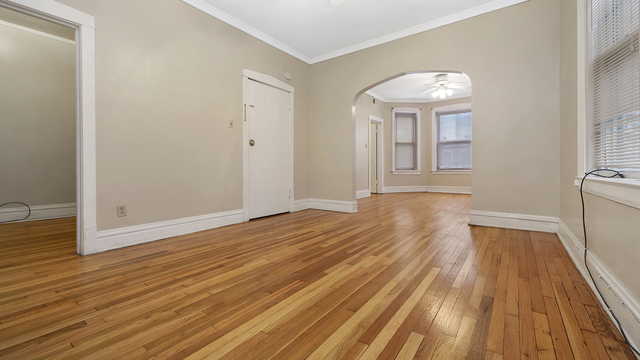 2 Bedrooms, Logan Square Rental in Chicago, IL for $1,500 - Photo 2