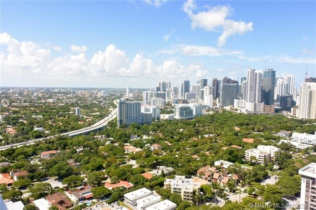 2 Bedrooms, Brickell Rental in Miami, FL for $3,300 - Photo 2