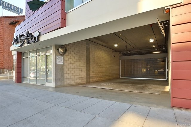2 Bedrooms, Downtown Pasadena Rental in Los Angeles, CA for $3,200 - Photo 2