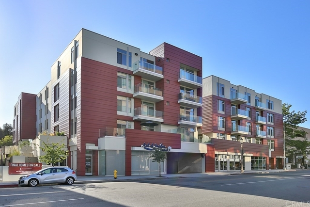 2 Bedrooms, Downtown Pasadena Rental in Los Angeles, CA for $3,200 - Photo 1