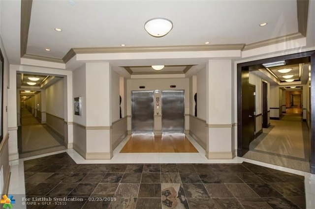 3 Bedrooms, Gulfstream Office Center Rental in Miami, FL for $2,500 - Photo 2
