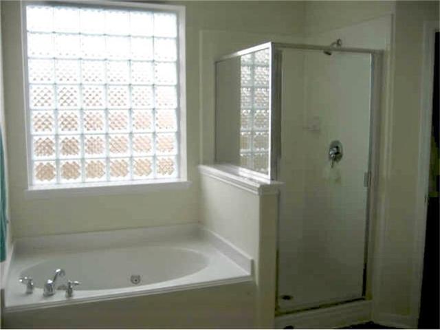 6 Bedrooms, Twin Oaks Village Rental in Houston for $2,350 - Photo 2