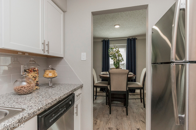 2 Bedrooms, Blalock Woods Apts Rental in Houston for $1,206 - Photo 2