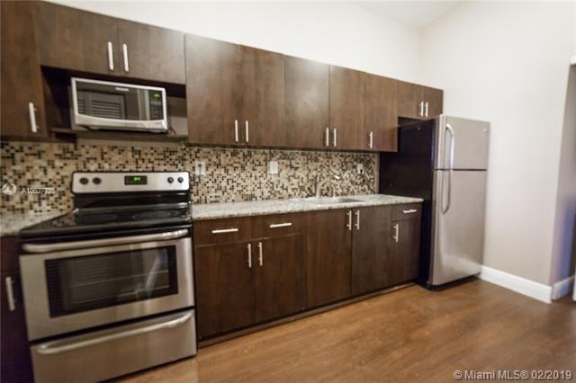 2 Bedrooms, East Little Havana Rental in Miami, FL for $1,400 - Photo 2