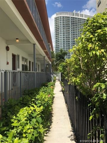 1 Bedroom, West Avenue Rental in Miami, FL for $1,450 - Photo 2