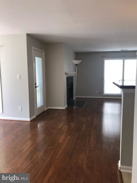 2 Bedrooms, Oakton Rental in Washington, DC for $1,900 - Photo 2