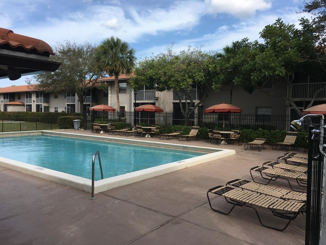 1 Bedroom, Forest Hills Rental in Miami, FL for $1,100 - Photo 1