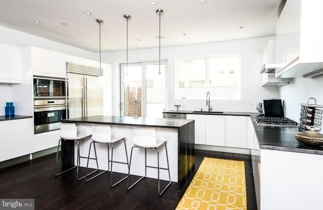 3 Bedrooms, Bella Vista - Southwark Rental in Philadelphia, PA for $6,000 - Photo 2