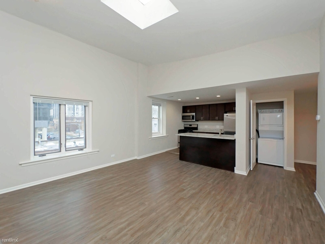 2 Bedrooms, Old Town Rental in Chicago, IL for $2,625 - Photo 1