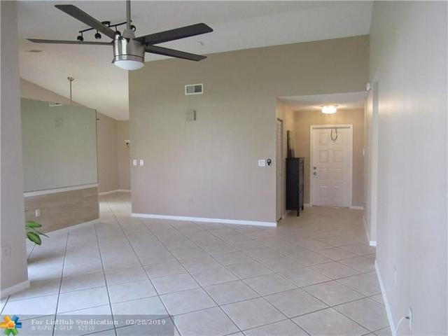 2 Bedrooms, Shenandoah Rental in Miami, FL for $2,500 - Photo 2