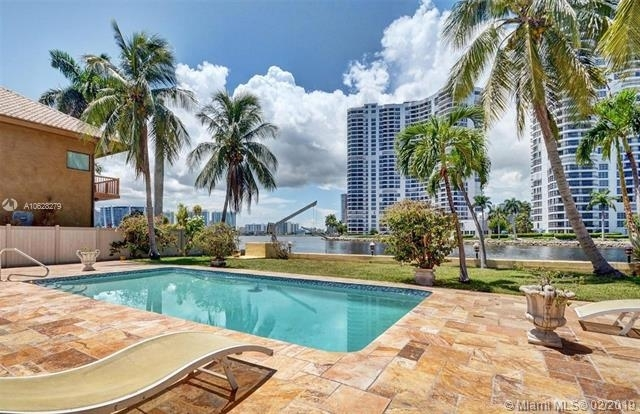 3 Bedrooms, Sunny Isles Beach Rental in Miami, FL for $8,500 - Photo 1